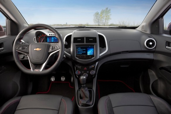 2014-Chevrolet-SonicRS-004-medium