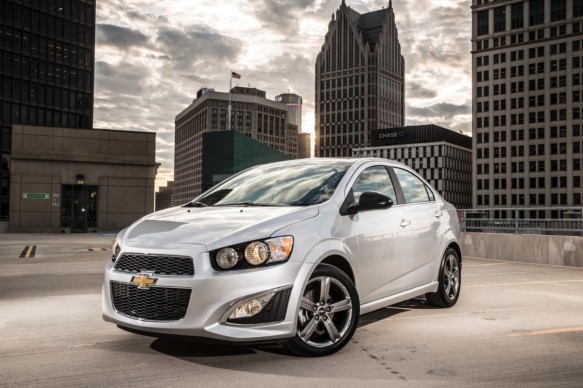 2014-Chevrolet-SonicRS-026-medium