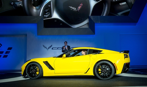 CorvetteZ06Reveal02.jpg