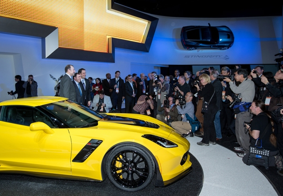 CorvetteZ06Reveal09.jpg
