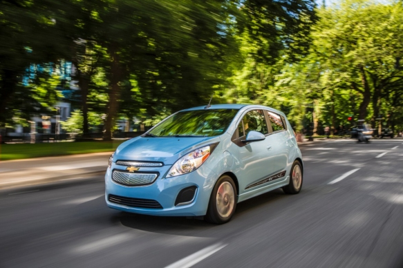 2014-Chevrolet-SparkEV-040-medium