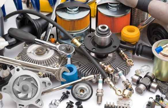 Assorted Auto Parts_6752780